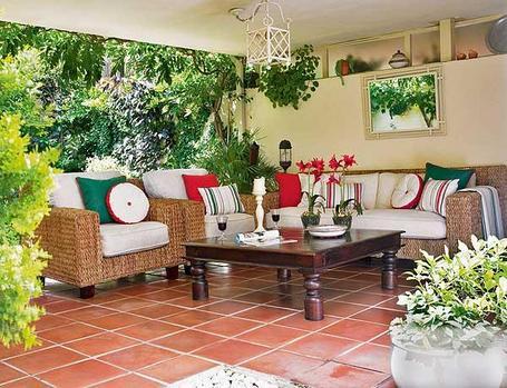 Como decorar el porche de tu casa - Casas pequenas con porche y jardin ...